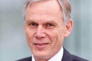 LEGGER FREM TALL: Konsernsjef Henning Eskild Jensen legger fram resultatene for tredje kvartal i dag.