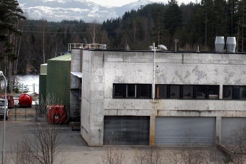 KAN FÅ OMSETNINGSFORBUD: Renseanlegget i Sellikdalen må få på plass rutiner og få kontroll på varmen i råtnetanken, hvis ikke varsler Mattilsynet omsetningsforbud på gjødselvare.