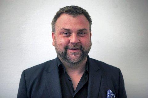 Tommy Hansen, kommunikasjonsdirektør i Norsk olje og gass, inviterer de som vil komme til Magazinet onsdag kveld, hvor oljebransjen skal snakke om seg selv.