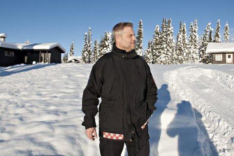UT PÅ TUR: Jørn Hjalland og Rollag brannvesen vil være ved utfartsstedene i påsken for å prate om brannsikring av hytta.
