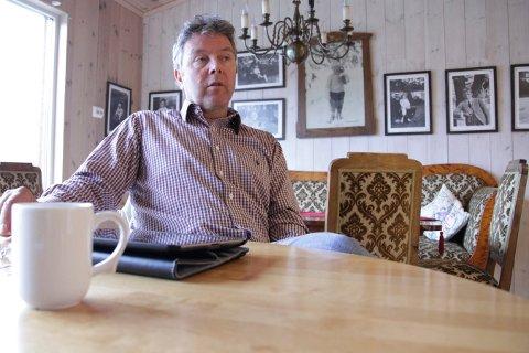 EVALUERING: Det ble en hektisk helg for Nils Martin Løwehr, seksjonsleder for hjemmebaserte tjenester i Kongsberg kommune. Nå skal han evaluere jobben som ble gjort av kommunen da en linjefeil slo ut rundt 500 trygghetsalarmer i over ett døgn.