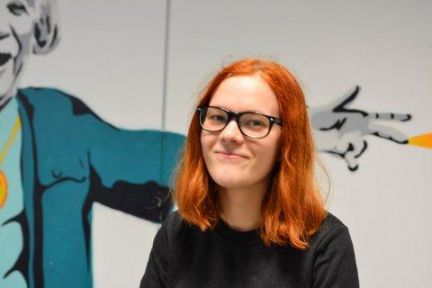 MANUSFORFATTEREN: Stine Sofie Farstad (16) har skrevet årets ungdomsgrøsser i Kongsberg.