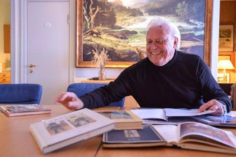 KUNSTINTERESSERT: Arne Gyttrup i Labro Art tar for seg livet til kunstneren Carl Larsson i Labrostua torsdag kveld.