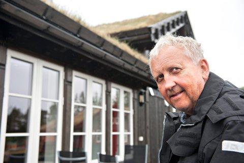 Liatoppen: Oddvar Buen håper at noen vil drive varmestua/kafeen på Liatoppen kommende sesong.