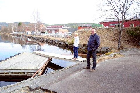 GAMLE PLANER: Per Mikkelsen og Anne Rygaard i Hellebæk-utbygging lanserte ideene i 2017.