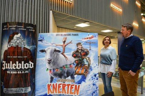FOR STORE OG SMÅ: Kinosjef Even Thunes Jensen og kioskansvarlig Snesja Ivanova har satt opp et program med 20 filmer til halv pris på den store kinodagen 4. november.