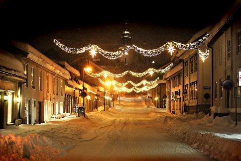 Snø i Kirkegata i Kongsberg FOTO: STÅLE WESETH