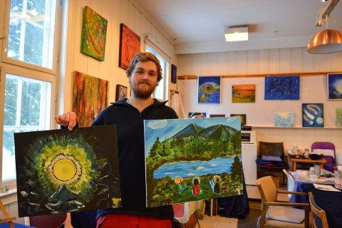 NYKOMMER: Siver Tveita er blant de ferskeste innen Vedic Art. Han stiller ut to bilder på årets siste utstilling.