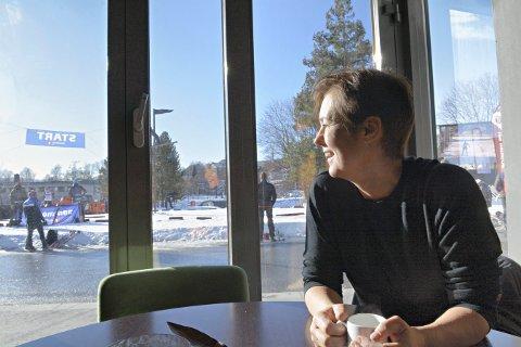 GLEDER SEG: Wivi-Ann Bamrud ser fram til de vinterfestivalen. Hun og staben i Kongsberg næringsforum har god kontroll på arrangementet. Dette bildet ble tatt i fjor.