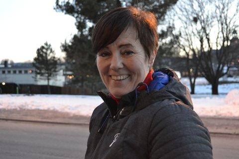 Vil ikke ta betalt, men ber om penger: Wivi-Ann Bamrud, leder i Kongsberg næringsforum, vil at Vinterfestivalen fortsatt skal være en gratis folkefest med stor dugnadsånd. Torsdag gikk de som arrangør av Vinterfestivalen ut med at de mangler penger, og oppfordret folk til å bidra med litt.