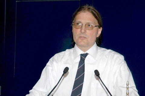 Geir Hasnes, Tekna-tillitsvalgt i Kongsberg Maritime, sier han tror selskapet slipper unna nedbemanninger fremover, selv om flere anatte frykter det.