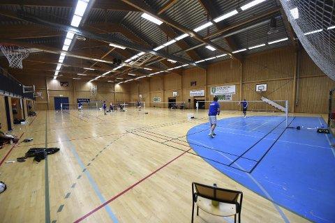 TAPTE INNTEKTER Hvert år arrangerer badmintongruppa i Skrim kretsmesterskap, hvor kostnadene er lave og inntektene kommer fra kiosksalg. Disse inntektene går de nå glipp av med dagens ordning.