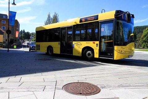 MANGE: Busstrafikken angår mange i distriktet. Spesielt skoleskyss er utsatt. Merk at det er noen unntak fra streiken som gjelder skolebusser i Numedal.
