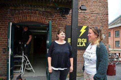 LEDERDUO: Nina Skarseth Kleven er ny prosjektleder på EnergiMølla. Daglig leder Yngvild Kristensen er storfornøyd med ansettelsen.