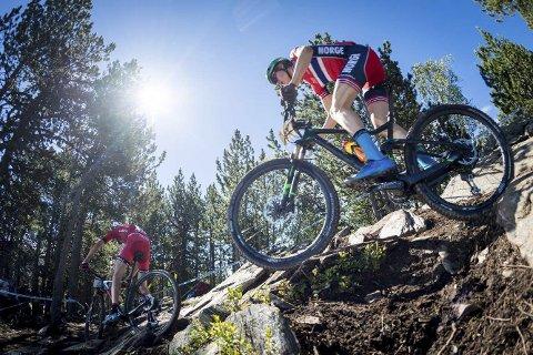 PÅ PALLEN: Erik Hægstad, som her er i aksjon i Andorra, vant kortbanerittet og ble andremann på rundbane på Lillehammer.