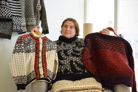 GLEDER SEG: Sissel Dahle i Kongsberg husflidslag ser fram til utstilingen på Lågdalsmuseet.