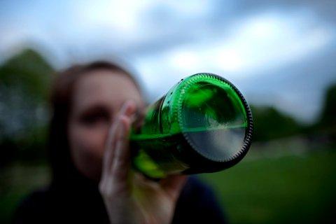 ILLUSTRASJONSBILDE: Berusede ungdommer under 18 er et økende problem i Vestfold, ifølge Barnevernsvakta.