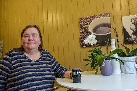 GLEDER SEG: Veslemøy Fjerdingstad drikker mye te hver dag, og gleder seg derfor til teselskap på slottet.