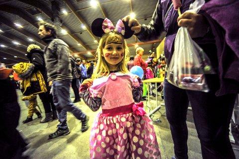 TRADISJON: Hallovenn i Kongsberghallen er populært. Her ser vi Marie Westgaard, som deltok på arrangementet i fjor.