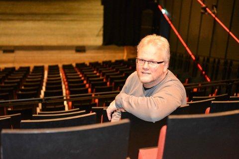 ENDELIG: Per Gustavsen, daglig leder i Kongsberg Musikkteater, var glad for å kunne åpne dørene igjen torsdag etter å ha stengt i flere uker.