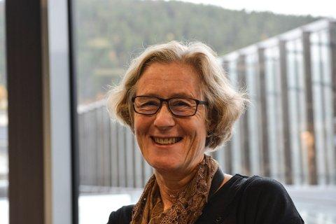 ER MED PÅ KRIMFESTIVALEN: Biblioteksjef i Kongsberg, Elisabeth Bergstrøm, opplyser at biblioteket er med som samarbeidspartner til Kongsberg Krim.