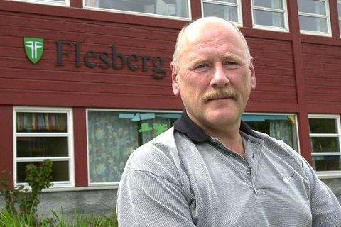 BEKYMRET FOR FREMTIDEN: Styreleder i Flesberg samfunnshus, Egil Langgård er bekymret for fremtiden til samfunnshuset når den nye skolen på Lampeland står klar i 2019.