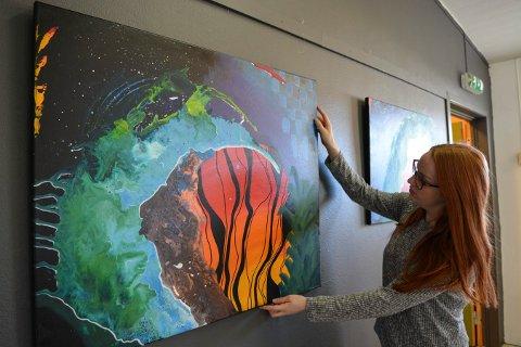 STILLER UT: Solveig Bordvik viser kunst på Heistadmoen lørdag og søndag.