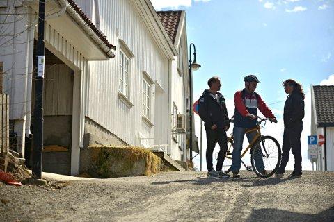 MEST POPULÆR: Sykkelposten i Kvæsthusbakken topper besøk gjennom alle tider. Her er arrangørene Rune Fredriksen (t.v.), Svein Ekanger og Ingunn Våer.