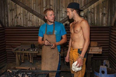 VENNER: Kjetil Nørstebø og Nikolai Aspen fant tonen inne på Farmen gården. De to er venner også utenfor Farmen. Søndag var det duket for en spennende tvekamp mellom de to kompisene.