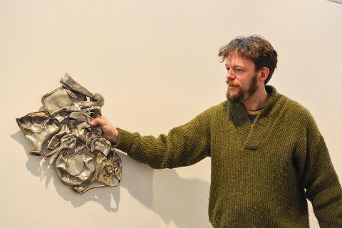 KUNST: Johannes Vemren Rygh har metallutstilling på Låven i regi av Kongsberg kunstforening.