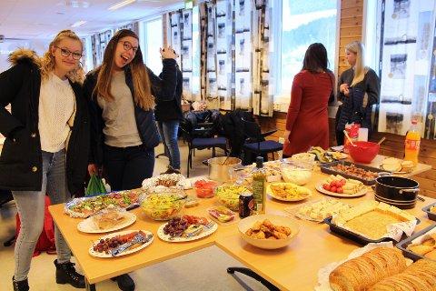 De norske vertene stelte i stand tapasbord på avskjedsfesten før spanjolene skulle reise hjem igjen