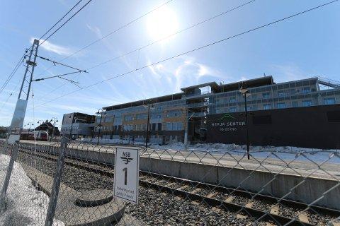 TILSYN: Beboerne ved leilighetene i Sameiet Smedkroken på Berja har påpekt en rekke feil og mangler ved leilighetene. Kommunen har opprettet fire tilsynssaker. Tre av dem virker fortsatt å være et stykke unna en løsning.