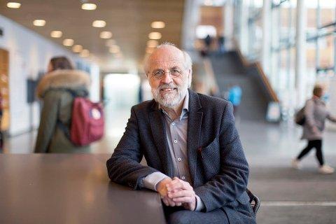 FORNØYD: Rektor Petter Aasen på Høgskolen i Sørøst-Norge