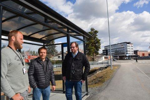Kraftig lei: De pendler daglig til og fra Kongsberg Teknologipark. Nå er det snart slutt på tålmodigheten. Fv; Rune Kvamme, Henning Tveiten Østeby og Tom Endre Øvrebø.
