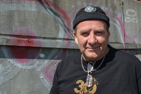 GODT FORNØYD: Håkon Uppstrøm, leder i Kongsberg bluesklubb.