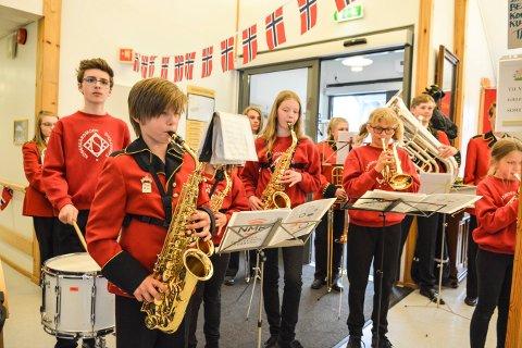 GOD STEMNING: Kongsgårdmoen skolekorps lager alltid god stemning. Onsdag 30. mai kan du høre musikantene i aulaen på Kongsgårdmoen skole. Bildet er fra en annen konsert i fjor.