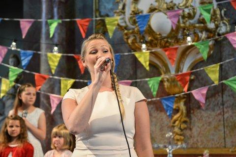 KOMMER HJEM: Malin Skjolde holder konsert på hjemmebane 30. juni, nærmere bestemt i Hedenstad kirke.