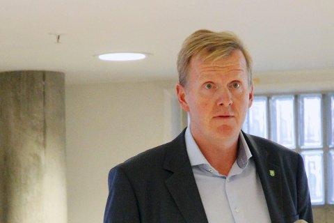 REGLER: Oppvekstsjef Håvard Ulfsnes forteller at kommunen har måttet endre praksis for behandling av søknader  om unntatt fra prinsippet om at nærskole er best for barnet. En klage til Sivilombudet avslørte at kommunen ikke vektlegger barnas behov godt nok.