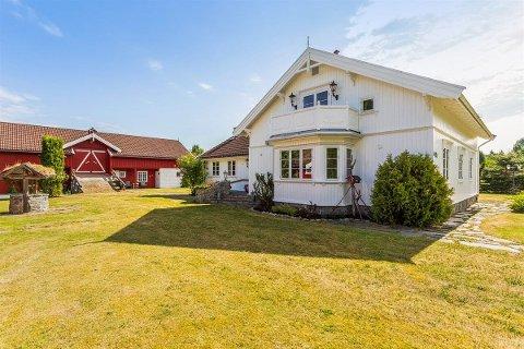 Småbruk: Et småbruk på Hedenstad er lagt ut for salg. Bildet er brukt etter tillatelse fra Norsk Landbruksmegling.
