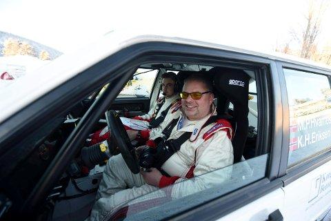 BEHOLDT LEDELSEN: Mats Peder Hvambsahl og kartleser Kristian H. Eriksen kunne puste lettet ut etter den nest siste NM-runden i rally.