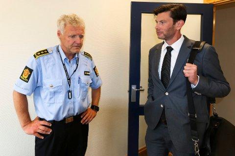 FENGSLINGSMØTE: Politiadvokat Hans Egil Seljordslia og den litauiske mannens forsvarer, advokat Elling Dahl.