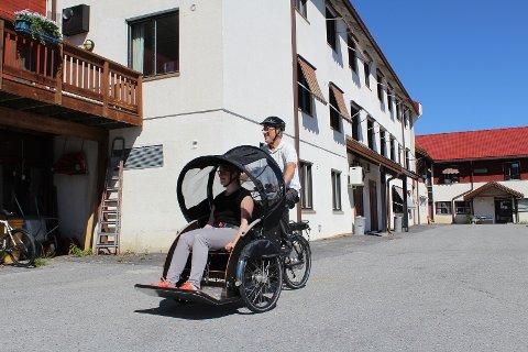 Bjarne Augunsrud, Rollag og Veggli Helselag, sykler med Nadine Mielke, Fysioterapeut Rollag kommune