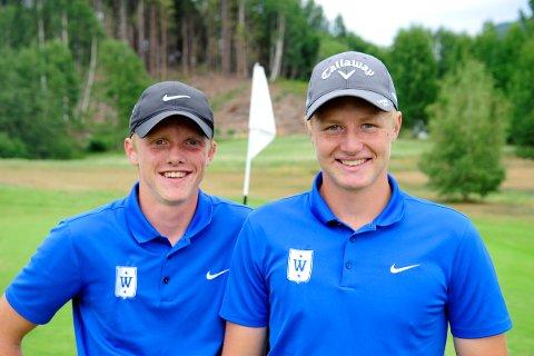 REKORDDUO: Kristian Berg og Jørgen Lie Viken er begge aktive i Kongsberg Golfklubb. Forrige torsdag brakte de en norsk rekord til både klubben og golfbanen.