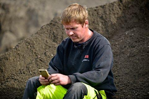 FRUSTRERT: Jonny Myran fra Nore bekymret for at mobilnettet falt ut.