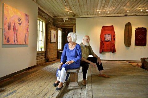 Utstillere på galleri Labro: Oddny Ra og Oddvind Ørbeck.  FOTO: JAN STORFOSSEN
