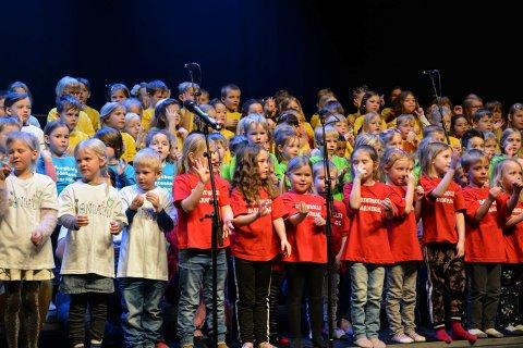 MØTES TIL SANG: Mange av sangene som ble sunget under Sangskattekista, står på programmet under sangtimen på Lågdalsmuseet torsdag 30. august.