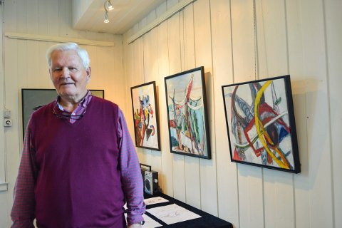 STERKE FARGER: Mange av maleriene til Øyvind Aabø er svært fargerike.