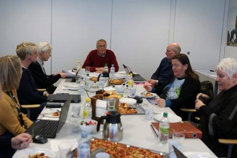 KKE-STYRET: Fra venstre: Anne Rygaard, Halfdan Glørud, Kjell Gunnar Hoff, Geir Øystein Andersen (eiendomsdirektør og ikke en del av styret), Veslemøy Fjerdingstad og Eldbjørg Løwer.