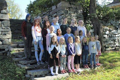 JUBILANT: Kongsberg pikekor er 70 år i år. Det markerer de med konsert på Krona søndag.