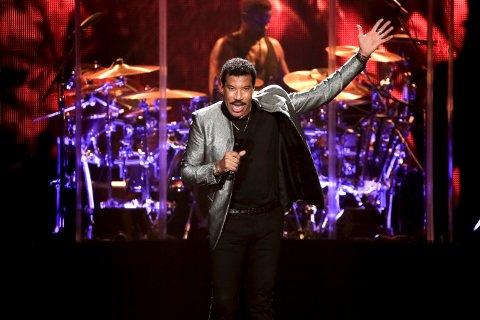 LAGER STEMNING Lionel Richie med fullt band kommer til Kongsberg Jazzfestival torsdag 2. juli 2020.